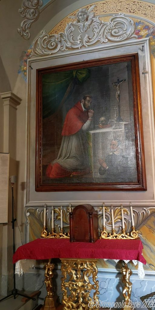 Altare dedicato a San Carlo Borromeo